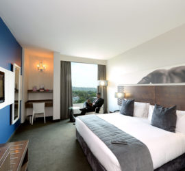 CrownPlaza-Room